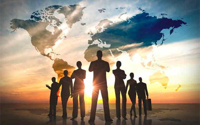 在有限公司中,隐名股东显名后股东人数超过50个,该如何处理?